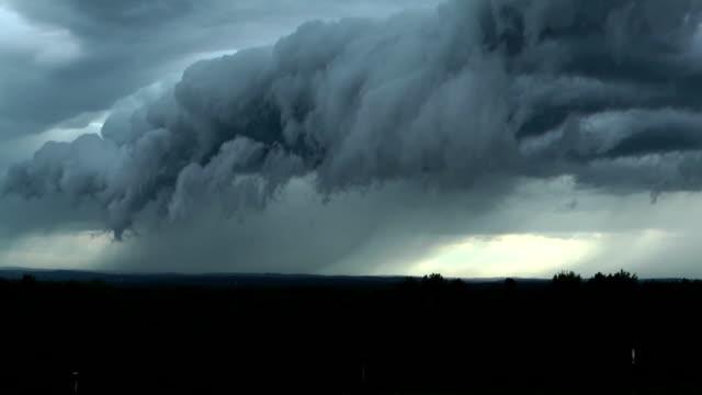 vidéos et rushes de étagère de nuages - ciel orageux