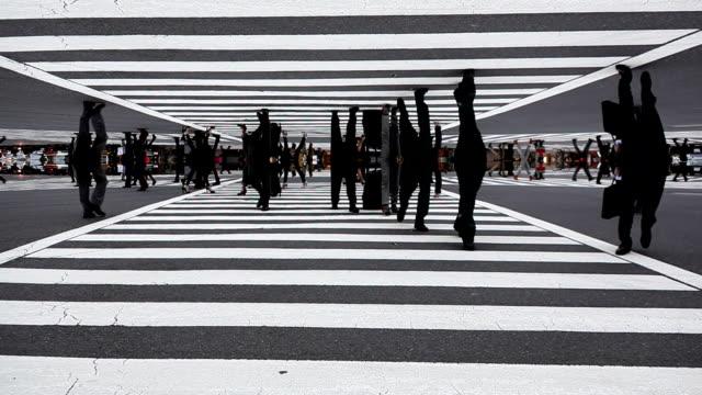 vídeos de stock e filmes b-roll de cruzamento de shibuya futuro - surrealismo