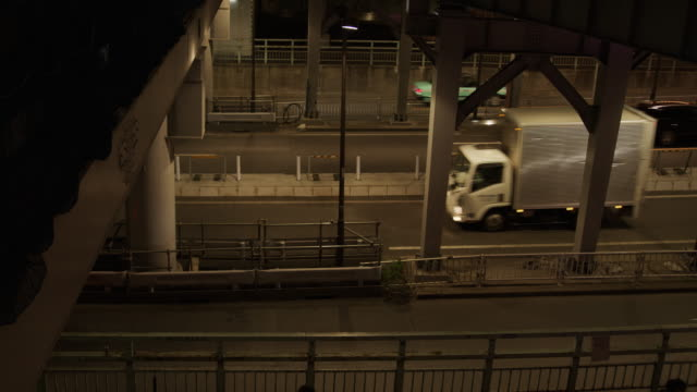 渋谷 - 東京未来 - 街灯点の映像素材/bロール