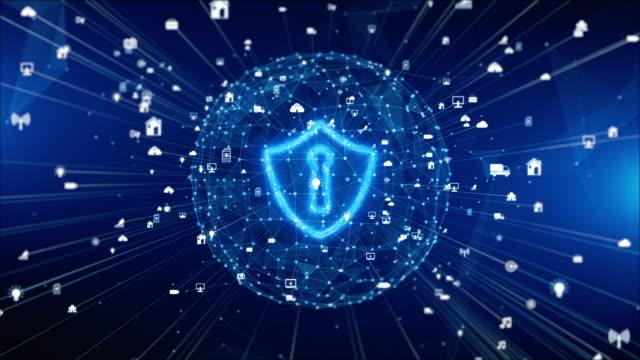 значок щита на безопасной глобальной сети, кибербезопасности и защите информационных сетей, будущая технологическая сеть для бизнеса и ко� - шифрование стоковые видео и кадры b-roll