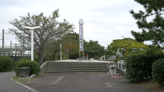 新木場龍宮公園、日本東京秋 - 川岸点の映像素材/bロール