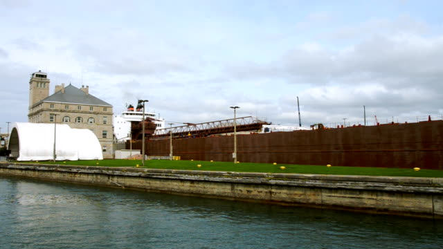 ship in Soo Locks video