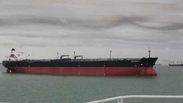 shipping crisis video