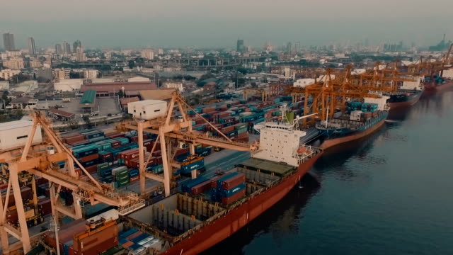porto di spedizione cargo - chiatta video stock e b–roll