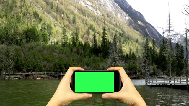 shoot video of nature with smart phone with green screen display video