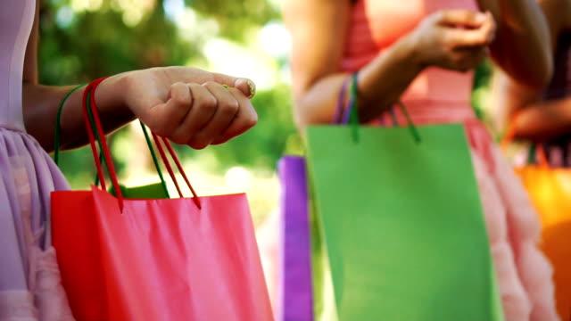 Shopaholic amigos - vídeo