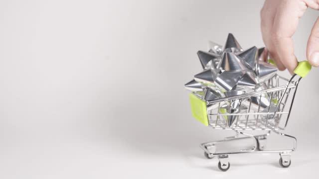 vídeos de stock, filmes e b-roll de carrinho de compras - um único objeto