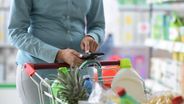 Shopping mobile app video