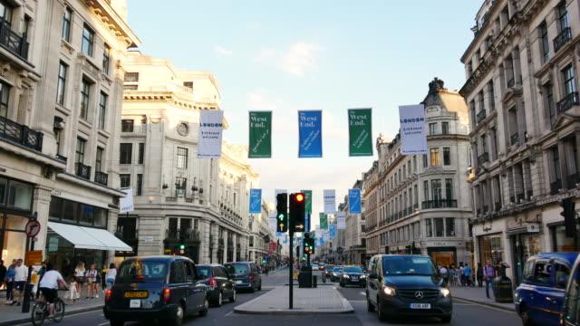 オックスフォード ・ ストリートのクリスマス、ロンドンに 4 k のショッピング - ロンドンのファッション点の映像素材/bロール