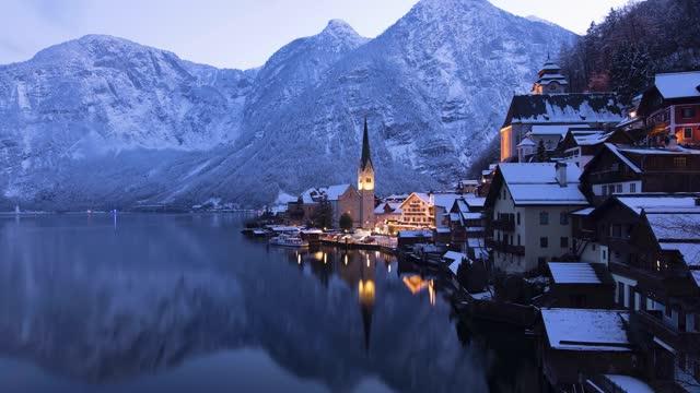 Short evening time lapse view to the beautiful village of Hallstatt, Austria