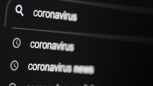 web tarayıcısı üzerinde 2 çekim covid-19 ve coronavirus uyarısı - www stok videoları ve detay görüntü çekimi