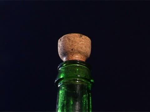 stockvideo's en b-roll-footage met shot stopper the bottle of champagne - kurk