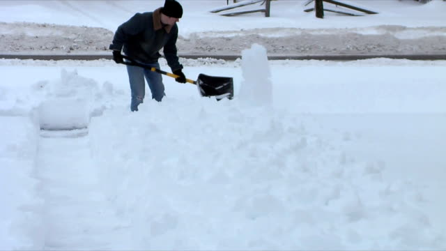 Shoveling (HD,NTSC) video