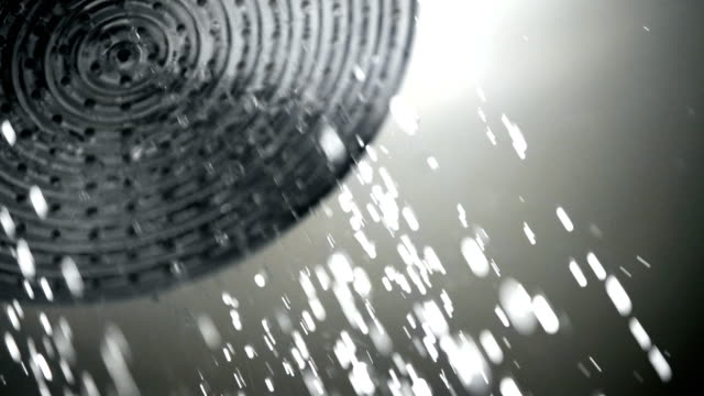 vídeos de stock, filmes e b-roll de cabeça de chuveiro. - chuveiro