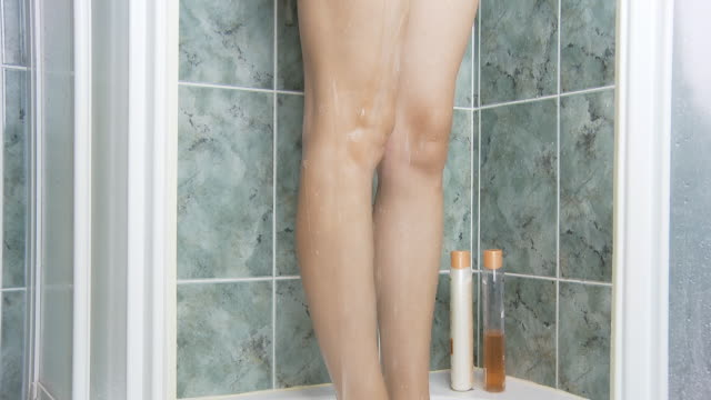 HD DOLLY: Shower Relaxation video