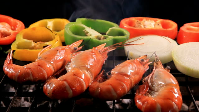 shrimp grilled on barbecuew stove video