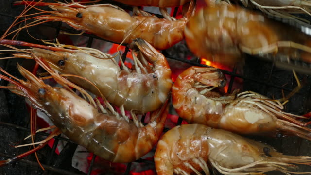 Shrimp on the grill Sea food Shrimp on the grill. 4K Apple ProRes 422 (HQ) 3840x2160 Format skewer stock videos & royalty-free footage