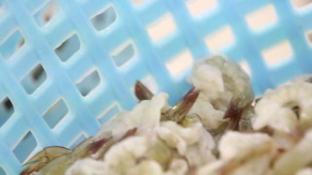 Shrimp washed in the basket