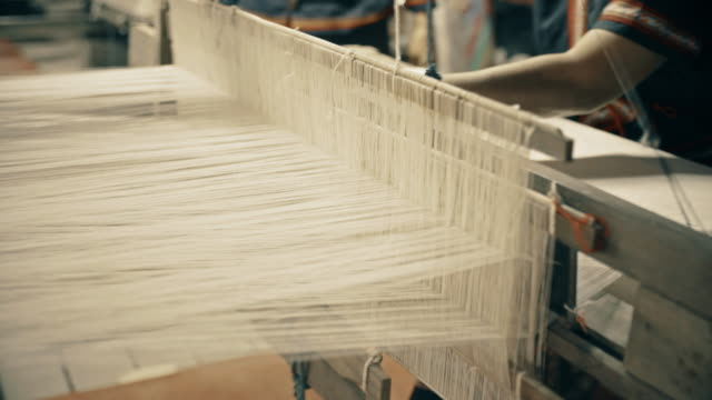 Siamese hand weaving cotton video