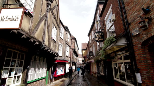 Side street - York, England - Full Pan