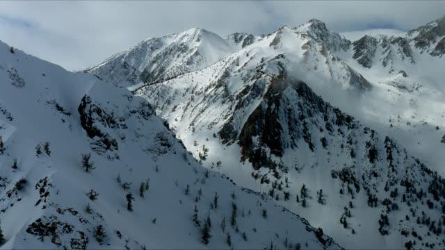 sierra mountain pass - brent video stock e b–roll