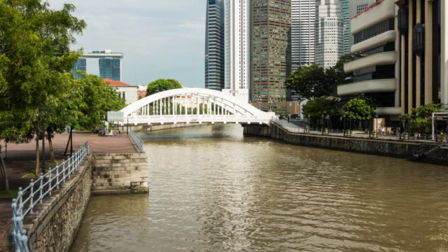 Sightseeing boat in Singapore. video