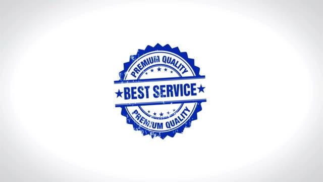 bester service unterzeichnete stempel aus holz stempel textanimation. - feedback stock-videos und b-roll-filmmaterial
