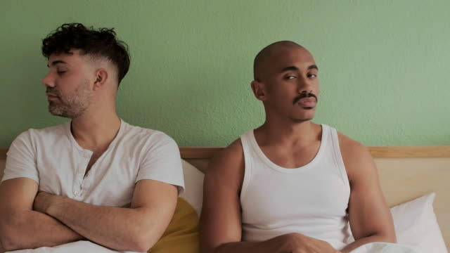 schweigen löste nie etwas - gay man stock-videos und b-roll-filmmaterial