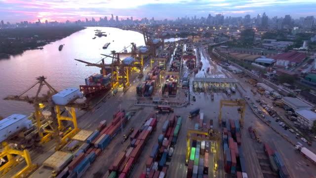 silhouette lastfartyg i skymningen - shipping sunset bildbanksvideor och videomaterial från bakom kulisserna