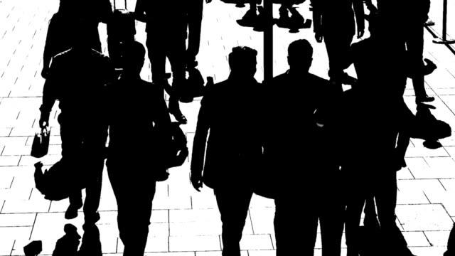 t/l svartvit silhuetter av stadens människor i farten - kontrastrik bildbanksvideor och videomaterial från bakom kulisserna
