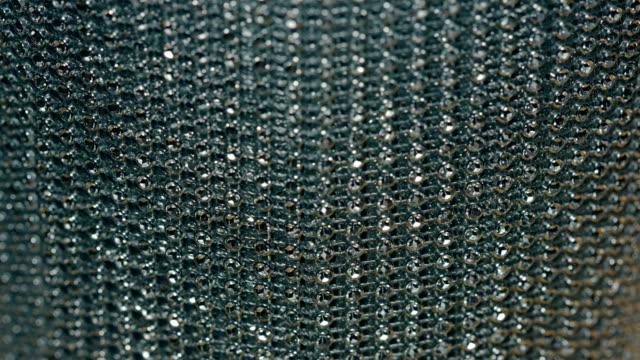 銀の装飾チェーン ornated ボンバー ジャケット - 鎖の輪点の映像素材/bロール