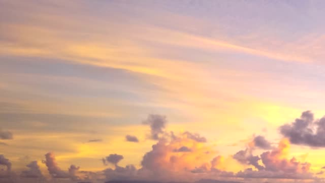 Silver sunset sky spring cove HYPER LAPSE:Summer sunset sky with moving clouds and sun setting. Copy space at the popular Anse Source d'Argent beach on Indian ocean in La Digue Island, Seychelles. Sunny beautiful sky at sunset. cloud sky stock videos & royalty-free footage
