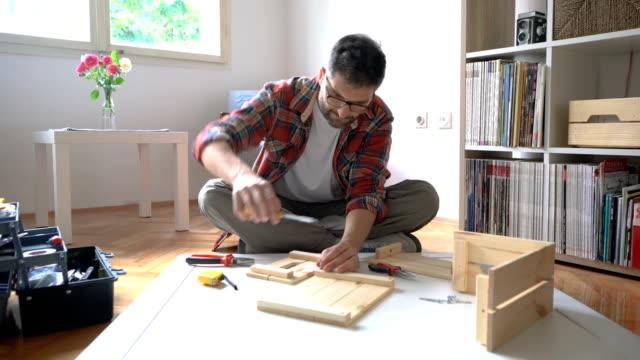 Réparations de maison simple - Vidéo