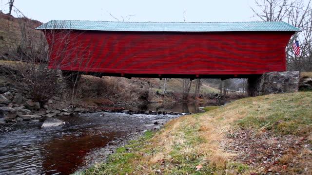 Sinking Creek Covered Bridge in Virginia, Verenigde Staten video