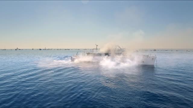 sjunkande skepp - segelfartyg bildbanksvideor och videomaterial från bakom kulisserna