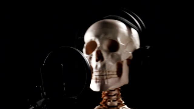 Skeleton Disc Jockey, 3 parts video
