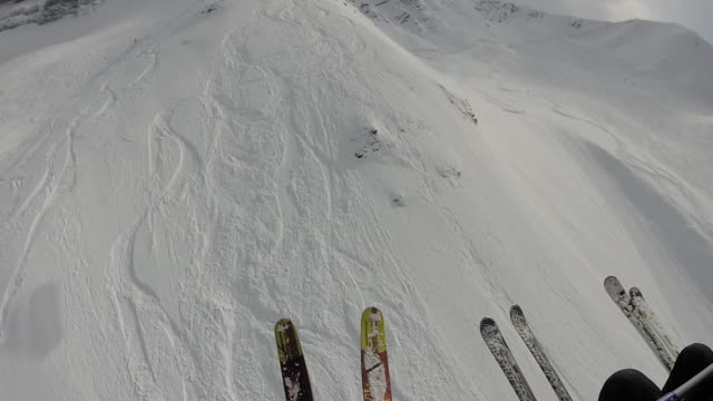 pov av skidåkare fallande puder snö lutning - grindelwald bildbanksvideor och videomaterial från bakom kulisserna