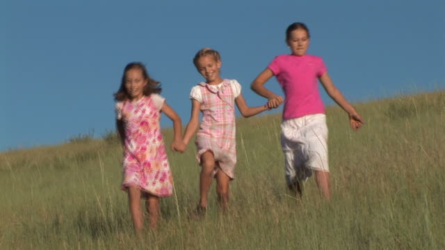 Skipping in the Field video