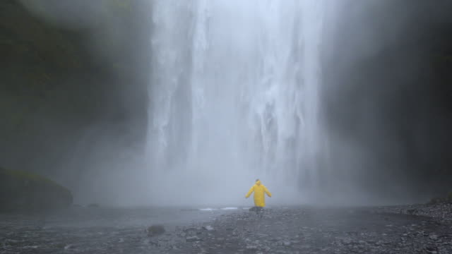 Skogafoss waterfall in Iceland - video