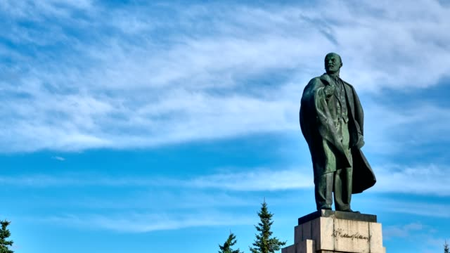 TIME LAPSE: Sky, clouds float across the sky on the monument of Vladimir Lenin.