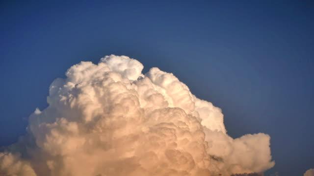 stockvideo's en b-roll-footage met sky clouds time-lapse 4k - ozonlaag