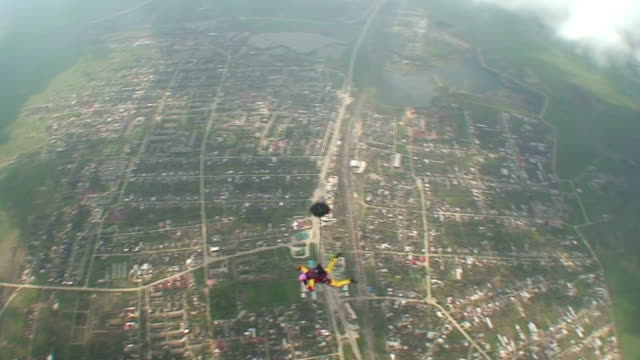 vídeos de stock, filmes e b-roll de skydive vídeo 7 - paraquedismo