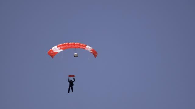 skydiver video