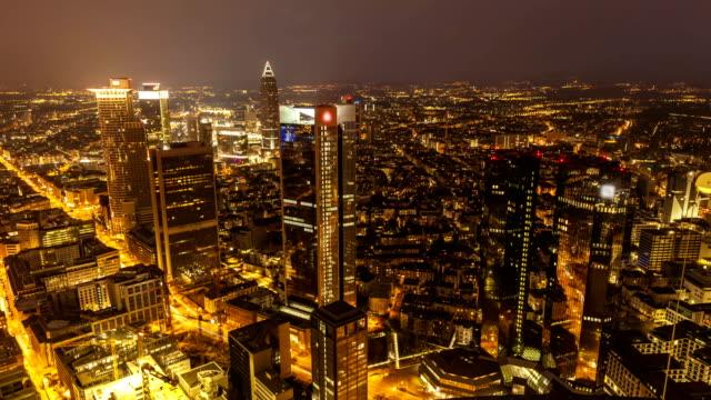 skyline frankfurt by sunset, time lapse - francoforte sul meno video stock e b–roll