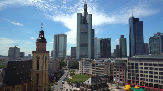 skyline frankfurt, real time - francoforte sul meno video stock e b–roll