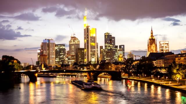 skyline frankfurt, time lapse video - francoforte sul meno video stock e b–roll