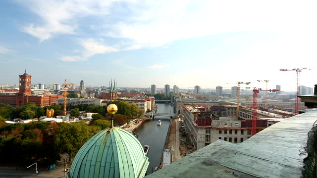 Skyline in Berlin, Panning video
