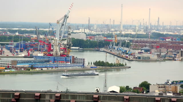 Skyline Rotterdam Industy, Real Time video