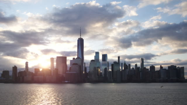 NYC Skyline Timelapse Cloudy Morning Quiet 2020