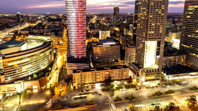 skyline von warschau bei sonnenuntergang, zeitraffer - warschau stock-videos und b-roll-filmmaterial